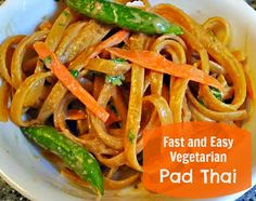 Fast and Easy Vegetarian Pad Thai Recipe. http://momalwaysfindsout.com/2013/08/quick-pad-thai-recipe/