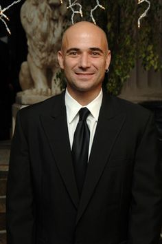 Andre Agassi : Bald Men of Style Salt And Pepper Hair, Professional Tennis Players, Sport Tennis, Bald Men, Tennis Stars, Sports Stars, Sport Man, Cool Photos, Bald Heads
