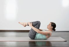 Get a great full-body workout—no fancy equipment or expensive classes required. #pilates #workout https://greatist.com/fitness/10-minute-pilates-workout
