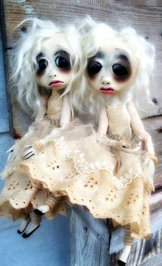 Art Doll Estonia and Esther- I love them !! I have 2 LoopyBoopy dolls, a vampire and the dead bride <3