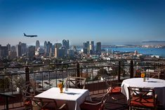 San Diego with its great climate is the perfect city for rooftop bars. Check out this list with 10 of the best rooftop bars in San Diego and why each of them is worth visiting. San Diego Neighborhoods, San Diego Restaurants, Bankers Hill, Moving To San Diego, Best Rooftop Bars, Rooftop Restaurant, California Dreamin', San Francisco Skyline, The Neighbourhood