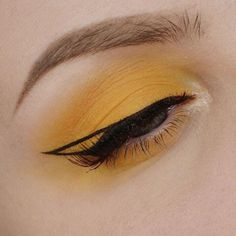 Eye makeup is able to improve your natural beauty and make you look and feel amazing. Find out just how to begin using make-up so that you may easily show off your eyes and stand out. Learn the best tips for applying make-up to your eyes. Makeup Goals, Makeup Inspo, Makeup Art, Makeup Inspiration, Beauty Makeup, Makeup Ideas, Makeup Style, Nail Ideas, Fairy Makeup