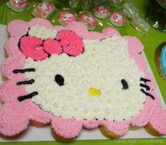 21 Pull Apart Cupcake Cake Ideas Hello Kitty | Pretty My Party