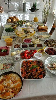 yemek bir aşk: sevgili arkadasım semilay'ın kahvaltı sofrası