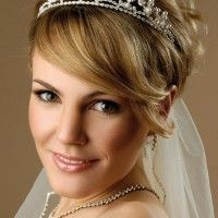 tiara and veil with short bridal hairstyle