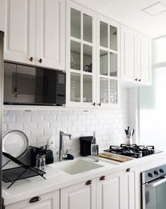 Cozinha linda da cantora brasileira Mari Nolasco. Beautiful kitchen by the Brazilian singer Mari Nolasco