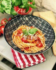 Tomaten Fenchel Pasta, Basta! Dieses Rezept ist ein Klassiker bei uns immer gern gekocht wenn das einkaufen nicht geschafft wurde. Tomaten, Salami, Fenchel in die Pfanne und fertig! Familien und Kinder Essen.