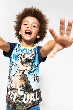 Desigual short-sleeved T-shirt with a very wild print. A beauty for your big boy!