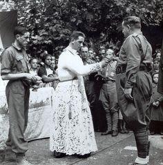 Jura de Bandera de un Tercio de Requetés en Baracaldo. Septiembre 1937.
