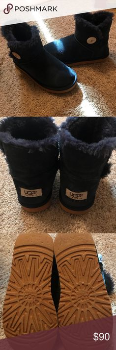Bailey button short Uggs Worn only a few times, one minor salt stain that will come out. Navy blue, these are in excellent shape and look like brand new. Wish I could keep but they are a little too big for me. No lowballs please UGG Shoes Winter & Rain Boots