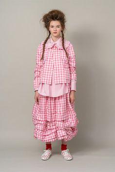Comme des Garçons GIRL : london.doverstreetmarket.com Dover Street Market London, Runway Fashion, Womens Fashion, High Fashion, Rei Kawakubo, Comme Des Garcons, Dream Dress, Frocks, Peplum Dress