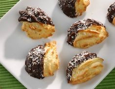 Kihagyhatatlan kókuszos sütik Doughnut, Muffin, Paleo, Goodies, Pudding, Yummy Food, Sweets, Breakfast, Christmas