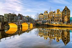 Reflejos en #Amsterdam http://www.viajaraamsterdam.com/ #viajar #Holanda