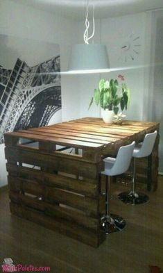 Wood Pallet Projects Palets … - Pallets Uses-So many structures built from pallets! Amazing Uses For Old Pallets Wood Pallet Recycling, Pallet Crafts, Recycled Pallets, Diy Pallet Projects, Wooden Pallets, Home Projects, Pallet Ideas, Recycling Projects, Pallet Office Ideas