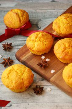 Juliga och vackra muffins med saffran och färskost. Dessa ljuvliga muffins går utmärkt att toppa med frosting eller till exempel florsocker. Christmas Sweets, Christmas Baking, No Bake Desserts, Dessert Recipes, Baking Recipes, Cookie Recipes, Swedish Recipes, Dessert Drinks, Food Plating