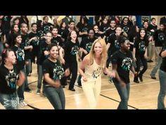 Porque la vida te sorprende cuando menos te lo esperas :D Beyonce surprises students - Let's Move! Flash Workout for New York City