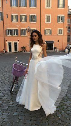 Wedding dress by Rima Lav Plaid Wedding, Minimalist Dresses, Formal Dresses, Wedding Dresses, I Dress, Fashion, Dresses For Formal, Bride Dresses, Moda