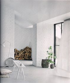 Create an Elegant Statement with a White Brick Wall Design Ideas White Interior, Decor, White Brick Walls, White Brick, House Design, Hotel Interior Design, Interior Design, Home Decor, House Interior