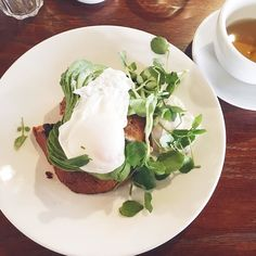 I did the blogger thing today and had avocado on toast with poached eggs at the @oxclubleeds with my mum. Now I've picked up my glasses and may pop to see what's left of the record store day stock. Oo also have you see my latest blog posts about Earth Day? The link is in the bio       #liveauthentic #slowlife #livesimple #smallpleasures #morningslikethis #leedsblogger #blogger #leeds #thebloggershub #vscocam #vsco #colorstory #lookup #travel #wanderlust #girlswhotravel #adventure…