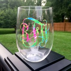 MONOGRAMMED WINE GLASS – Plastic, great for outdoor use! Vines or circle monogram. Solid color or Lilly Pulitzer-inspired vinyl. by GracieMaeGifts on Etsy