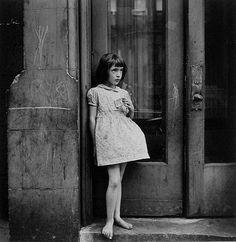 Yasuhiro Ishimoto, Child, Chicago, 1948-52.