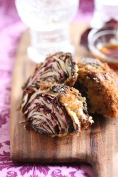 Fried Radicchio with Honey (use Ian's gluten-free panko breadcrumbs & Bob's Red Mill all-purpose #glutenfree baking flour) | #vegetarian