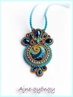 Ajne pearls: soutache / Sutasz / Soutache No: 5 Jewelry Crafts, Jewelry Art, Beaded Jewelry, Handmade Jewelry, Jewelry Design, Handmade Necklaces, Soutache Pendant, Soutache Necklace, Bead Embroidery Jewelry