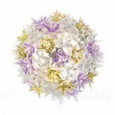 Wandlamp Bloom New S1 van Kartell is een bijzonder fraaie hanglamp. Houdt u van een bloemstuk op tafel? Vandaag wordt de familie van de Bloom-lampen, die gekenmerkt word door een originele structuur bedekt met schitterende bloemen, puur en waardevol als kristal, uitgebreid met een nieuwe elliptische vorm in twee verschillenden maten en met nieuwe functies: hanglamp, wand- of plafondlamp.   De Bloom Lampen zijn net zo delicaat als een boeket lentebloemen. Ze bieden unieke geraffineerde ...