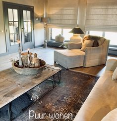 Puur wonen Sophie - Lilly is Love Fixer Upper Dekoration, Fixer Upper Decor, Decoration, Rustic Decor, Farmhouse Style, Sweet Home, New Homes, Wall Decor, Living Room