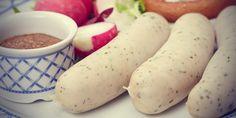 Cara membuat Sosis Ayam Homemade, untuk lihat resep dan cara mudah nya silahkan klik, kuliner-ilmci.com