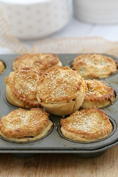 These easy muffin tray chunky meat pies are made with flakey pastry, beef chunks and a yummy gravy sauce. the perfect savoury snack or light dinner! Sushi Recipes, Pie Recipes, Cooking Recipes, Curry Recipes, Easy Meat Recipes, Punch Recipes, Pastry Recipes, La Tourtiere, Savory Pastry