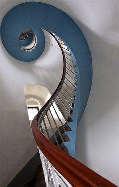 amazing architecture - bass clef staircase