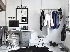 Un bureau en noir et blanc | PLANETE DECO a homes world