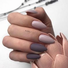 Want some ideas for wedding nail polish designs? This article is a collection of our favorite nail polish designs for your special day. Read for inspiration Aycrlic Nails, Nude Nails, Nail Manicure, Hair And Nails, Nail Polish, Manicure Ideas, Cute Acrylic Nails, Pastel Nails, Autumn Nails