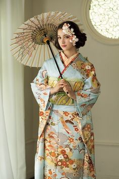 This type of parasol might be nice for summer wedding
