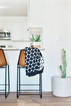 This beautiful geometric print has just a bit of an edge, but nothing is more classic and timeless than black and white.  This towel will look as gorgeous seaside as it does in your home.