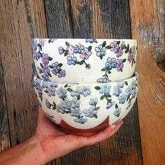 New serving bowls #madeintennessee #ceramics #pottery #howiamaco #servingbowl #bowl #tableware #floral #design #art #jenncoleceramics #flowers #vintagestyle #vintageinspired #retro #fabric #pattern #clay #redclay #gofundme