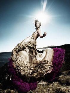Kristian Schuller for Vogue, Hellas High Fashion Photography, Fashion Photography Inspiration, Editorial Photography, Fashion Shoot, Fashion Art, Editorial Fashion, Fashion Poses, Style Fashion, Fashion Design