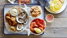 The best Australia Day recipes - seafood platter Seafood Platter, Seafood Dishes, Prawn Cocktail, Pork Sliders, Party Platters, Meat And Cheese, Food Plating, Seafood Recipes, I Foods