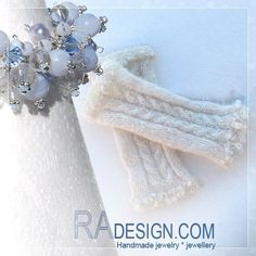 Made for a Winter Bride ---   20 - 22 cm Silk and alpaca. Alpaca is so lovely! Mixed  with silk it is incredible. When you put these on its like sticking your hands into whipped cream :) ---     These are with Swarovski and glas drops. Send  radesign.com@gmail.com if you have questions or want to order some like these.