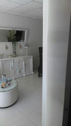 Decoración de sala en blanco