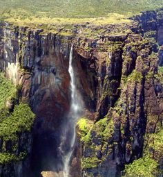 (Angel Falls/Salto Ángel in) Parque Nacional Canaima, Venezuela. Huge and stunning NP in south-eastern Venezuela that borders Brazil and Guyana. Parc National, National Parks, The Places Youll Go, Places To See, Angel Falls Venezuela, Magic Places, Paradise Falls, Road Trip Adventure, Les Cascades