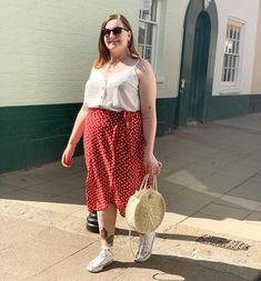 Floaty Dress, Spring Trends, Spring Summer Fashion, Style Inspiration, Style Ideas, Plus Size Outfits, Summer Outfits, Street Style, Midi Skirts