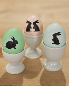 How to decorate Easter eggs with bunny silhouettes
