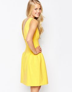 Shop Closet Fit And Flare Dress With V-Back at ASOS. Fit N Flare Dress, Fit And Flare, Tall Dresses, Short Sleeve Dresses, Yellow And White Dress, Reversible Dress, Dress Backs, Fashion Online, Bridesmaid Dresses