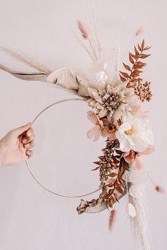 Dried Flower Wreaths, Dried Flower Bouquet, Flower Garlands, Dried Flowers, Floral Wreaths, Deco Floral, Arte Floral, Paper Flowers Diy, Fake Flowers