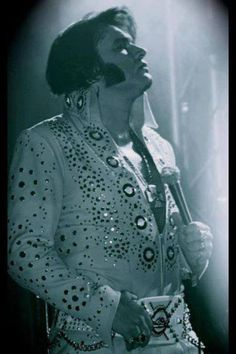 Often MISIDENTIFIED as Elvis. It's Elvis ETA Tim 'E' Hendry, who was crowned the 2013 KING OF THE WORLD ELVIS TRIBUTE ARTIST WORLD CHAMPION in Memphis, Tennessee on August 16th. See more at: https://ca.linkedin.com/pub/tim-e-hendry/63/ab2/783