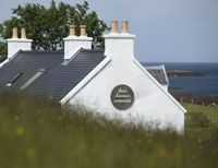 The Three Chimneys Restaurant on the Isle of Skye. Top Place, Places To Eat, Scotland, Solar, Restaurant, Outdoor Decor, Home Decor, Decoration Home, Room Decor