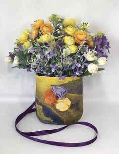 PassionFelt / Veniec na dvere, Dekoračny košík, Plstený košík na devere Nuno Felting, Hanging Baskets, Shibori, Making Out, Planter Pots, Wool, Spring, Flowers, Handmade