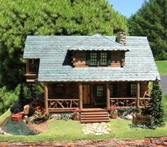 Jock's Lake : Young At Heart, Quarter Scale Miniatures by Debbie Young Miniature Houses, Miniature Dolls, Miniature Gardens, Cabin Dollhouse, Dollhouse Miniatures, Young At Heart, Planting Flowers, Craftsman, Scale